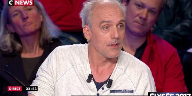 VIDEO-Philippe-Poutou-enchaine-les-attaques-contre-Francois-Fillon-et-Marine-Le-Pen-Nous-on-n-a-pas-d-immunite-ouvriere